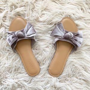Old Navy Lavender Velvet Bow Slides